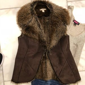 Jackets & Blazers - Faux shade and fur vest Medium